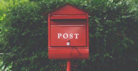 Originalt navneskilt til postkassen