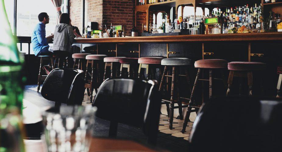 Få indbydende inventar til jeres bar