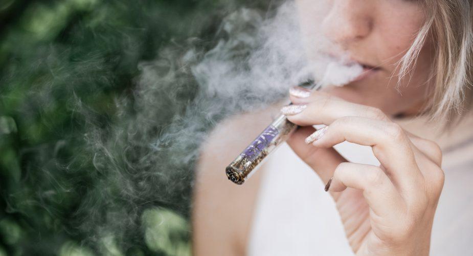 Opvej fordele og ulemper ved e-cigaretter